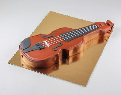 Tort în forma de vioară